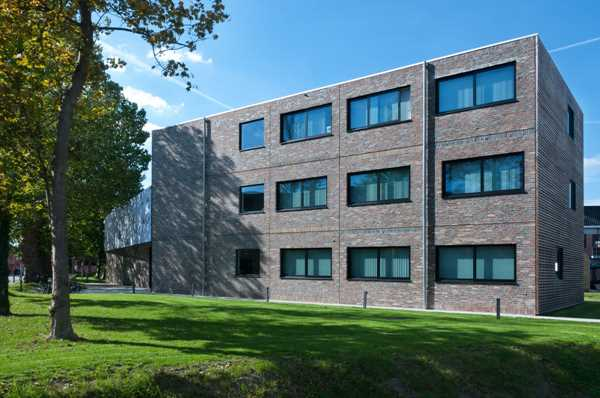 Creativity with facing bricks defines look of office building