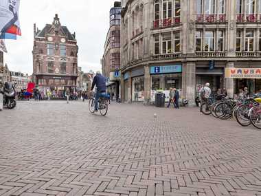 Renovation project using clay pavers in the historic centre of Utrecht